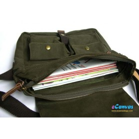 Canvas messenger shoulder bag green