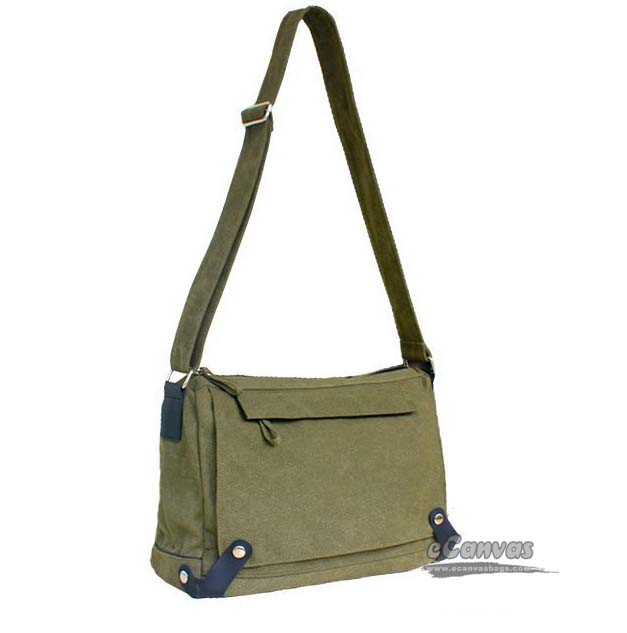 Casual canvas single shoulder bag, large capacity travel bag, army ...