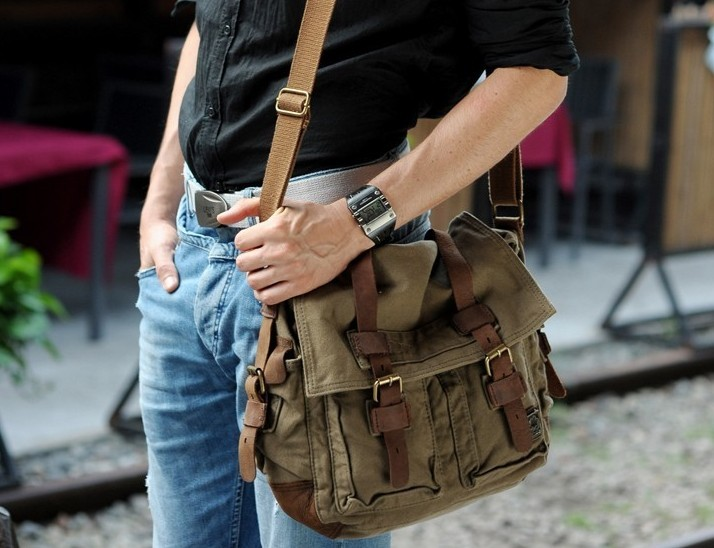 519e90920d99 ... This is a good looking and durable bag · Perfect canvas messenger  shoulder bag